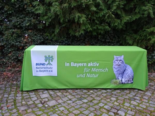 Tischdecke mit BN-Logo und Wildkatze